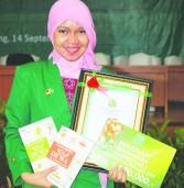 Martga Bella Rahimi, Mahasiswa Setengah Dewanya Unand