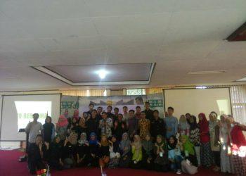 Perayaan ulang tahun Genta Andalas di seminar PKM, Senin (17/10/2017).
