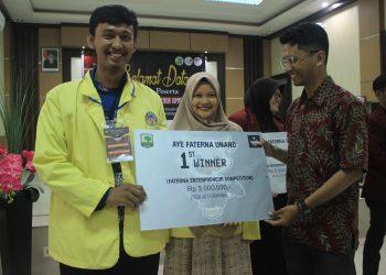 Tim asal Universitas Negeri Padang berhasil menjadi juara pertama dalam lomba tersebut, Sabtu (29/2/2020). (Foto : Tiwi Veronika)